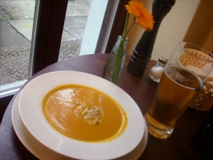 Vegan cream of pumpkin soup