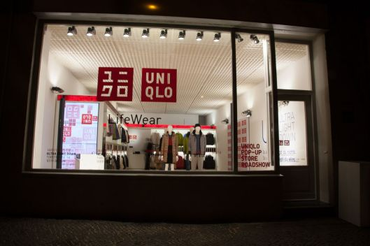 uniqlo store pop up
